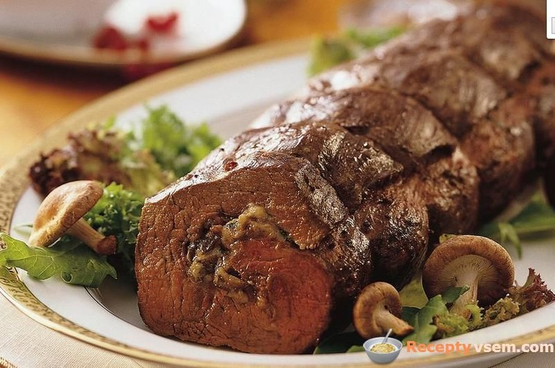 Рулет из вырезки говяжьей в духовке рецепты