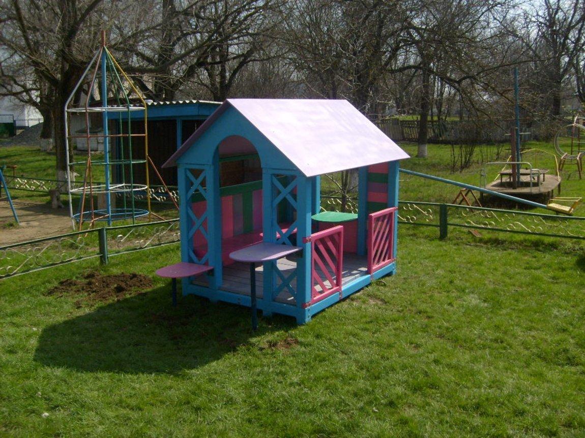 Детский домик на улице своими руками 24