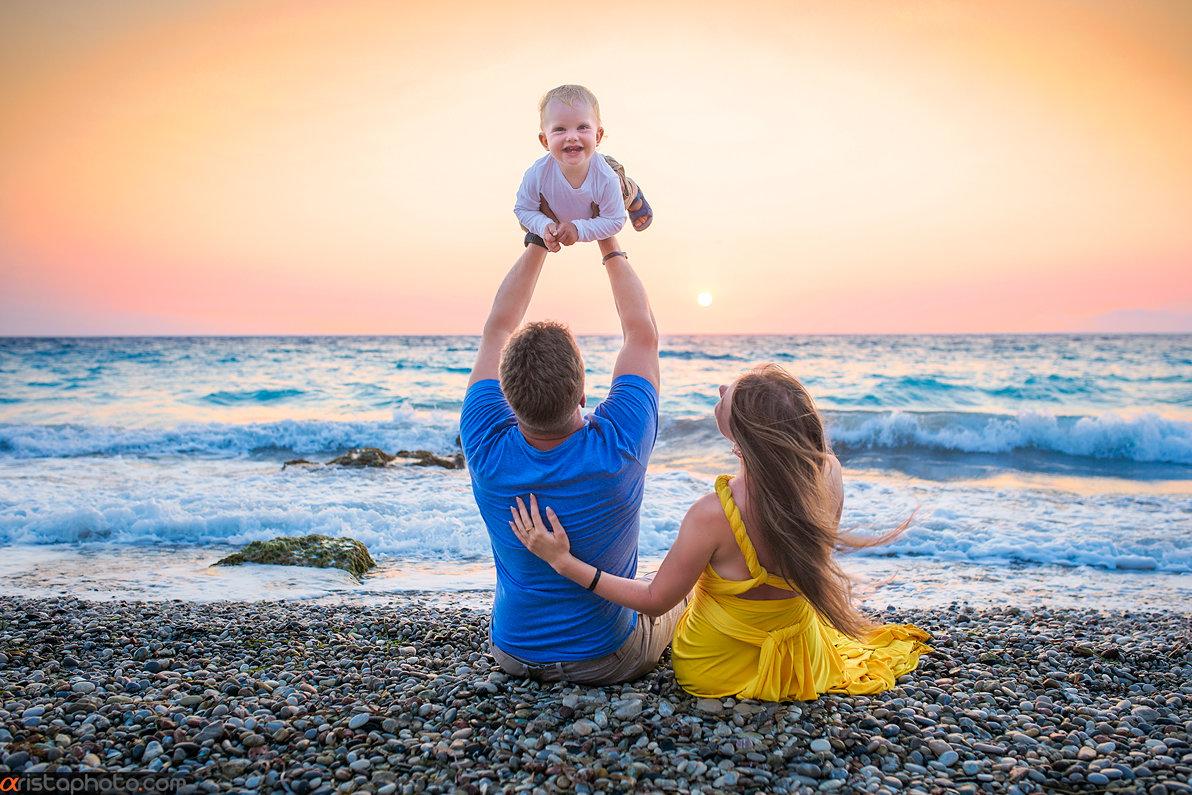 Фото с ребенком на пляже идеи