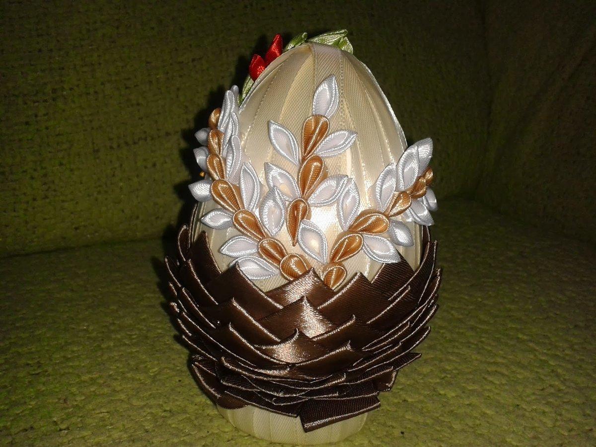Пасхальные яйца из атласной ленты своими руками