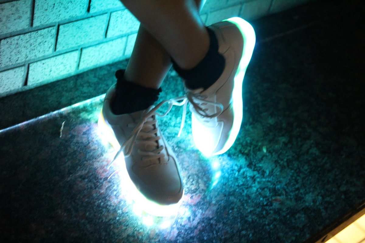 Как сделать обувь светящейся 586