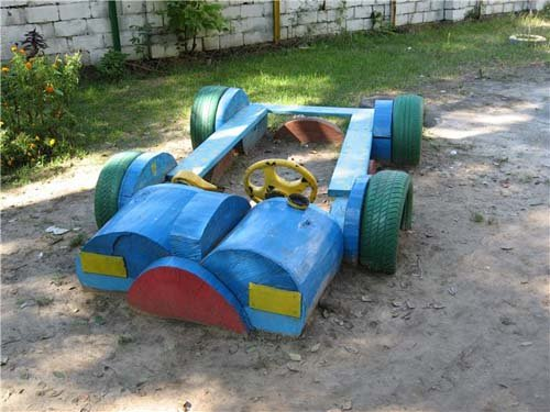 Машинка для детской площадки своими руками из фанеры