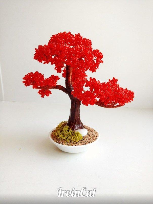 Дерево-сувенир из бисера