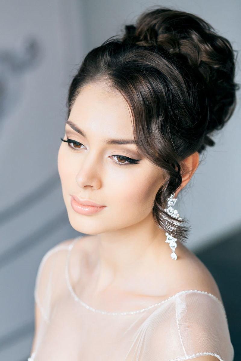 Свадебные причёски для круглого лица на длинные волосы фото