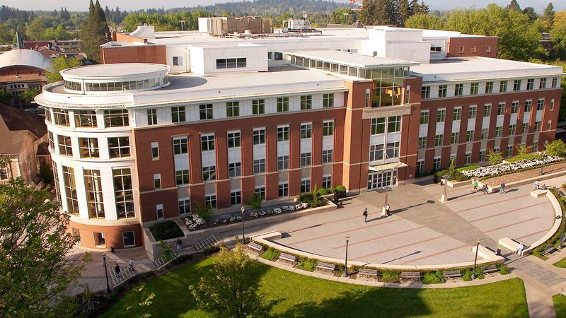 university of oregon creative writing The university of oregon is one of just two schools in the pacific northwest selected for membership in the prestigious association of american universities, a.