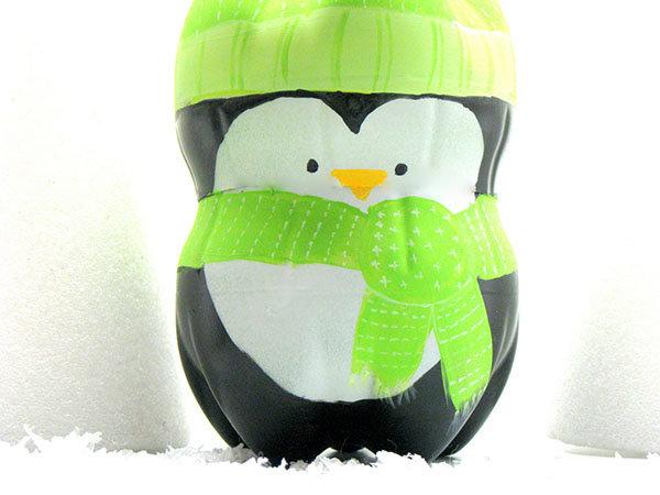 Пингвин из бутылок поделка 88