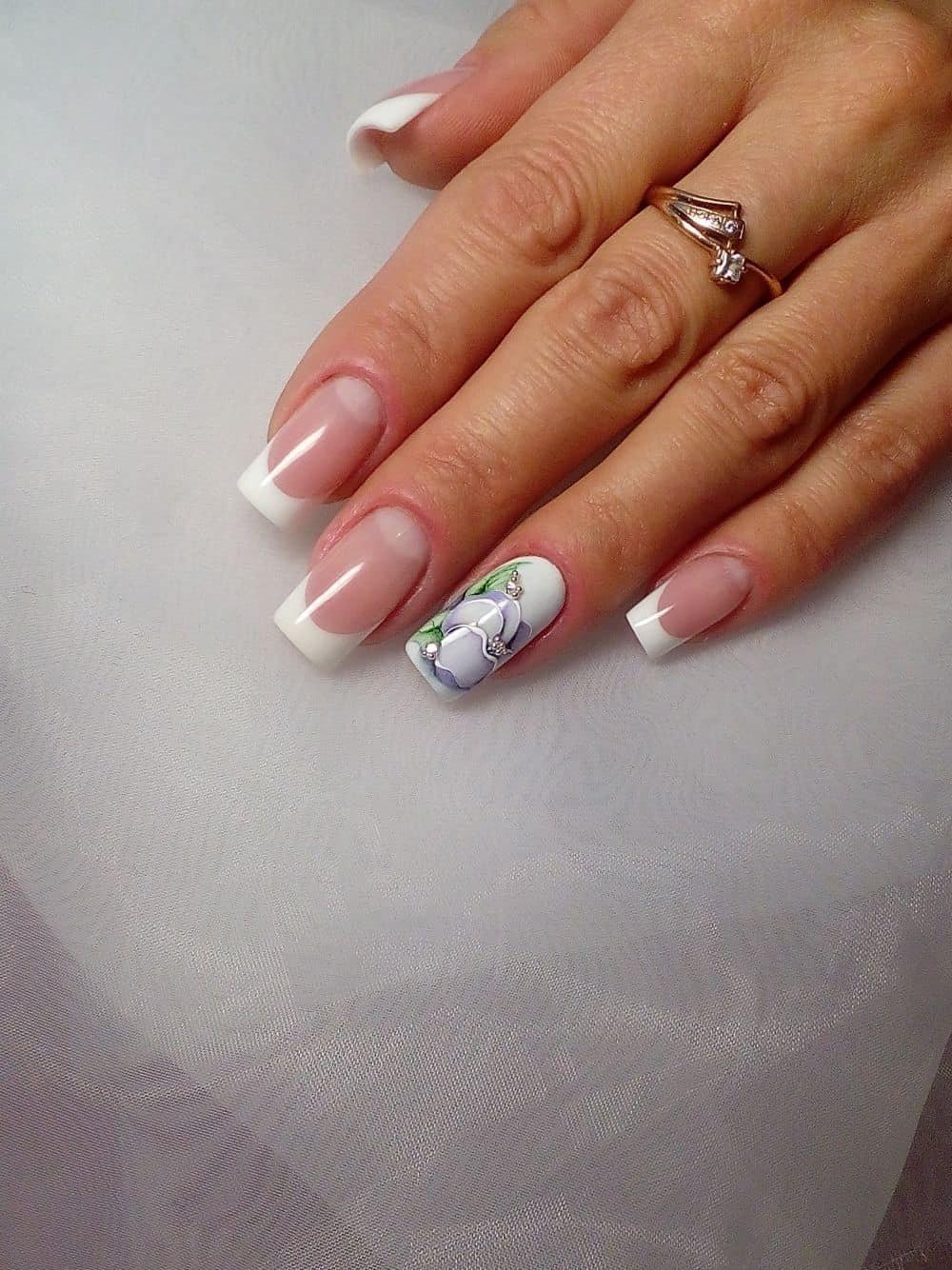 Маникюр с рисунком на двух пальцах фото