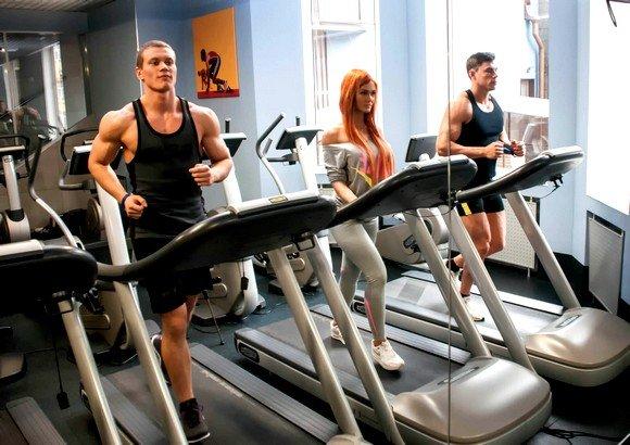 В чем ходят в фитнес клуб мужчины
