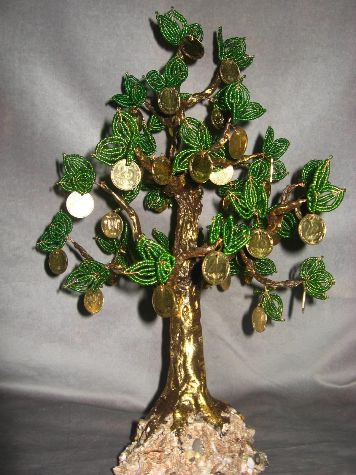 Денежное дерево из монет своими руками из бисера 56
