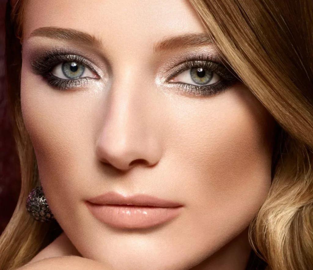 Макияж для каштановых волос и голубые глаза фото