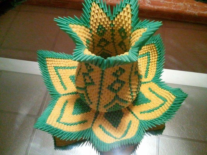 Оригами ваза лотос