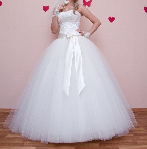 Фото свадебных платьев не очень пышных