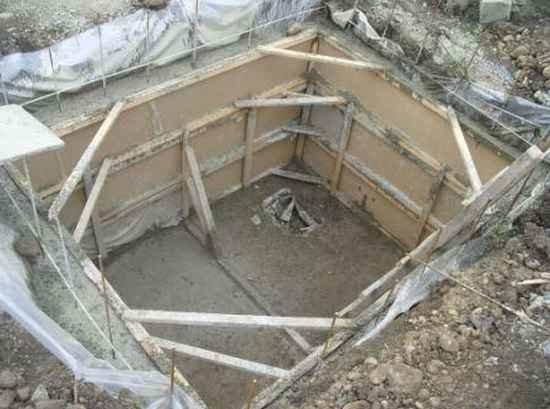Изготовление подвала из бетона своими руками 59
