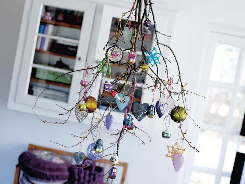 Подвесные украшения из дерева к новому году