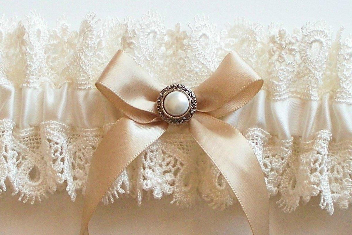 Как сшить подвязку для невесты своими руками кружево 90