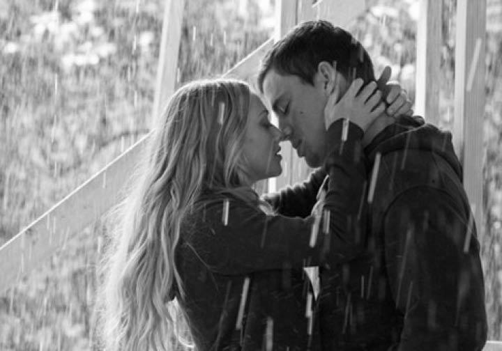 Поцелуй под дождем  № 3358192  скачать