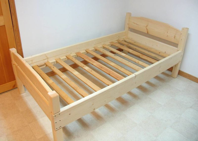 Модели деревянных кроватей своими руками