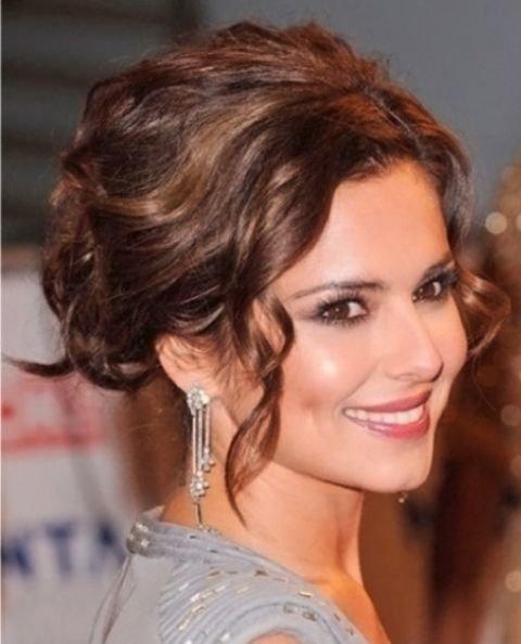 Фото причесок собранных волос для средней длины