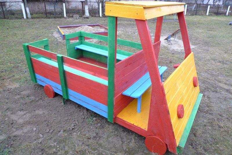 Деревянный грузовик своими руками для детской площадки