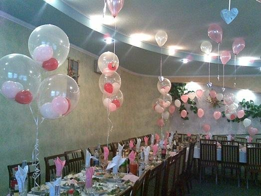 Как украсить зал на свадьбу своими руками лентами и шарами 21