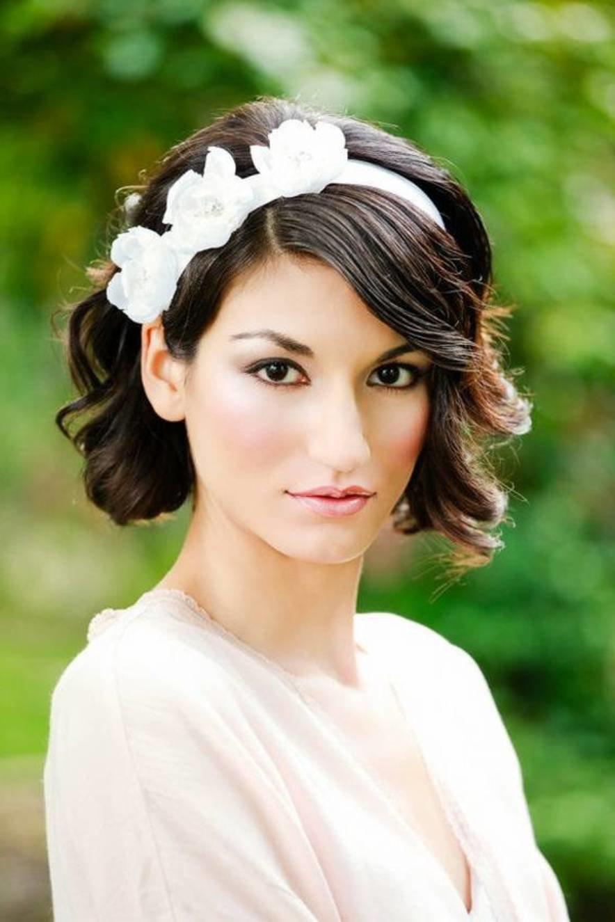 Свадебные прически короткие волосы с украшением6