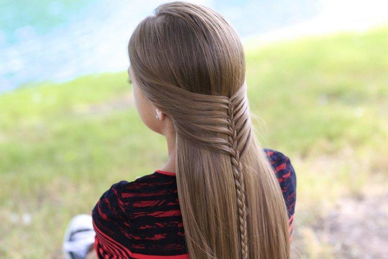 Причёска на распущенный волос