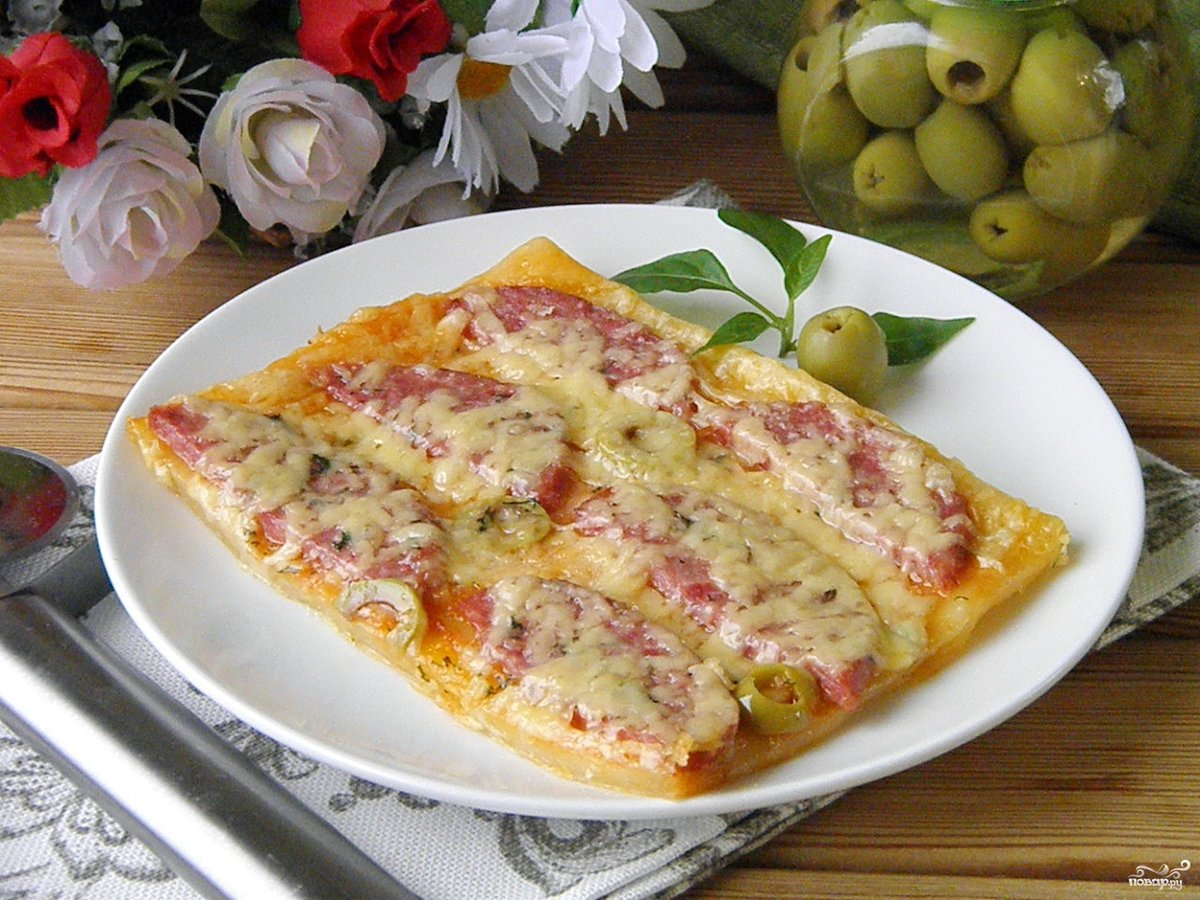Пицца на слоёном бездрожжевом тесте рецепт в духовке