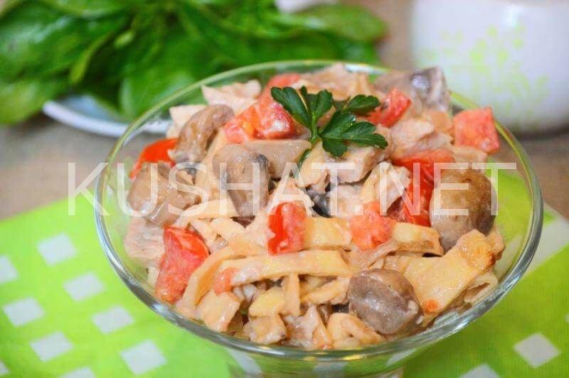Салат блинный с курицей пошагово