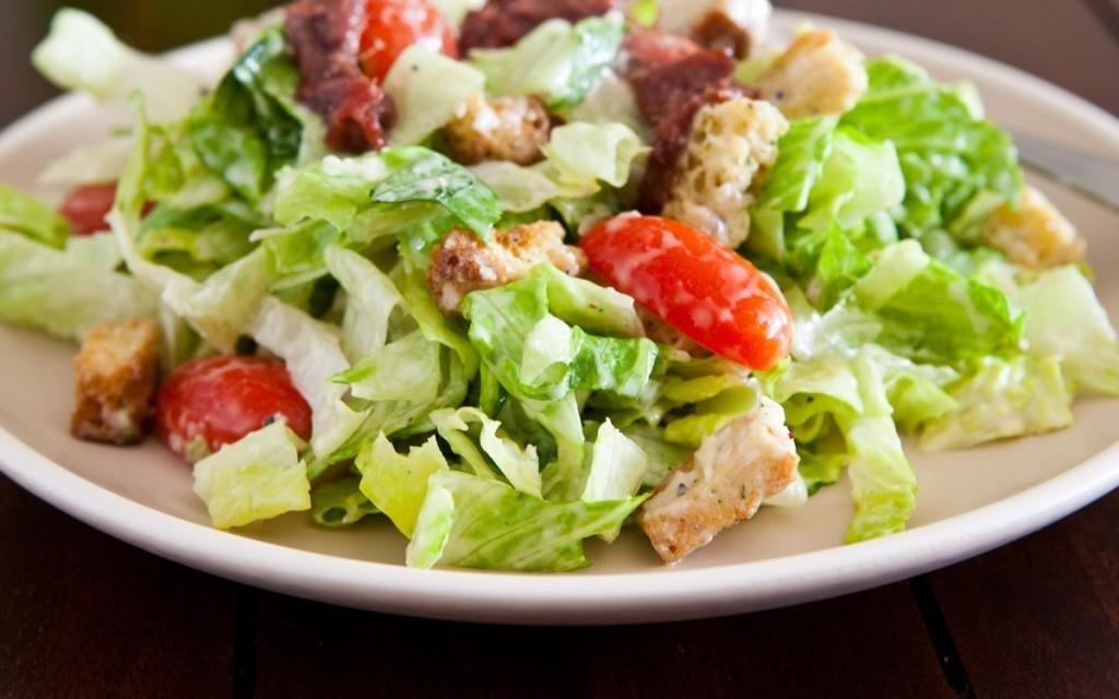 Цезарь салат с мясом