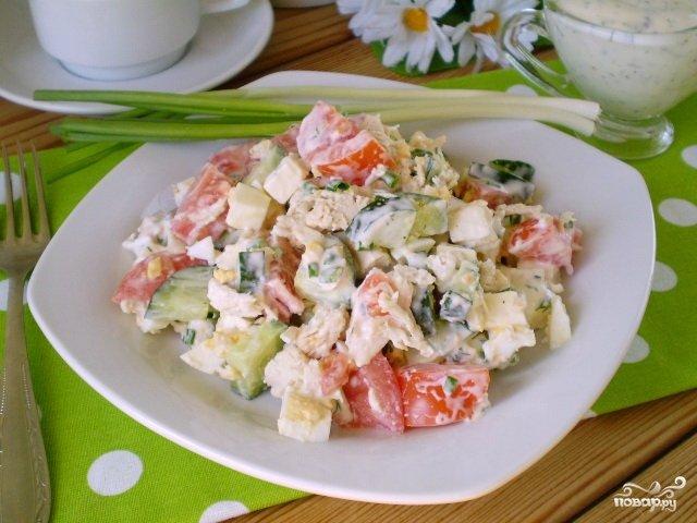 Салат с курицей помидором яйцом огурцом и