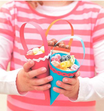 Поделки своими руками со сладостями 39