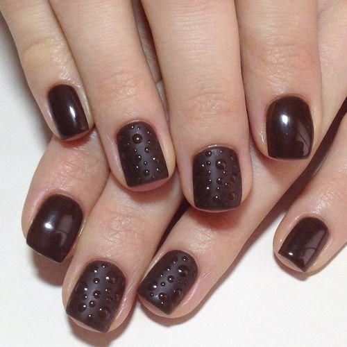 Шеллак коричневый на короткие ногти