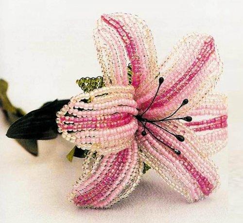 Лилия из бисера схема плетения с фото