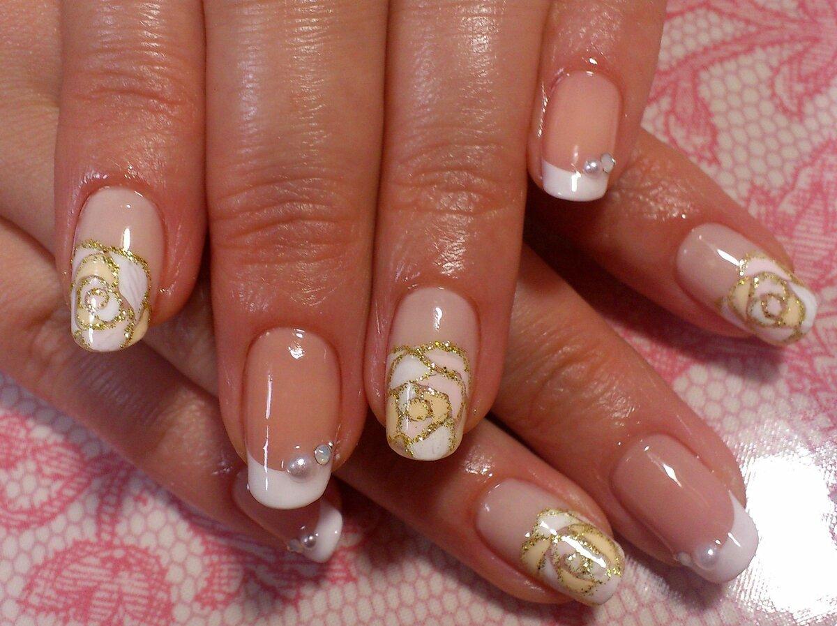 Фото дизайн ногтей френч с розами