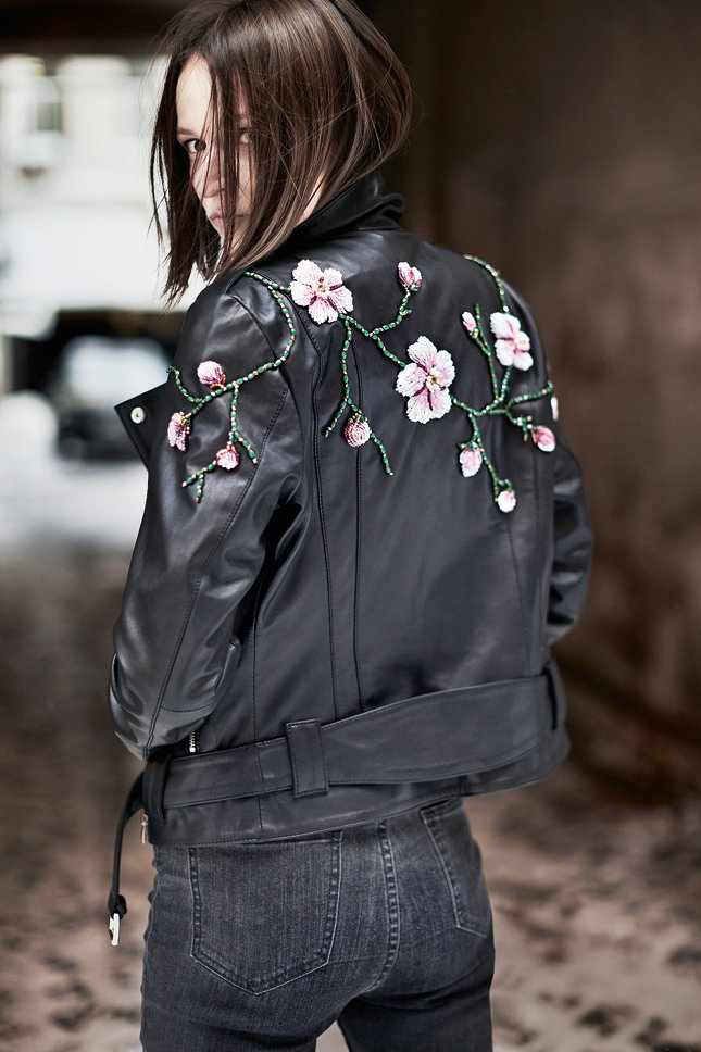 Вышивка на спине на куртке 546