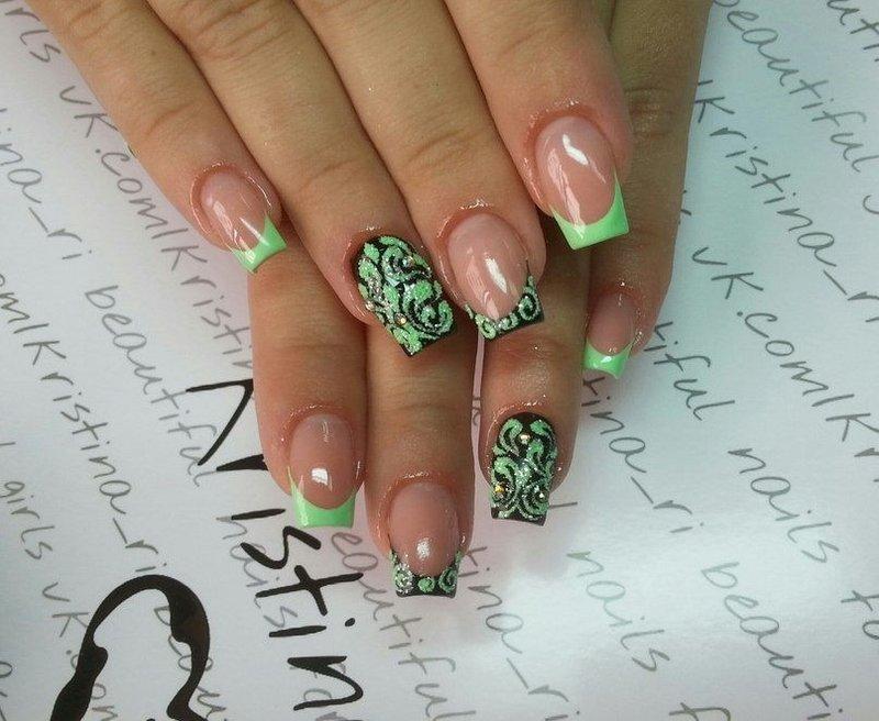 Салатовый френч на ногтях с рисунком