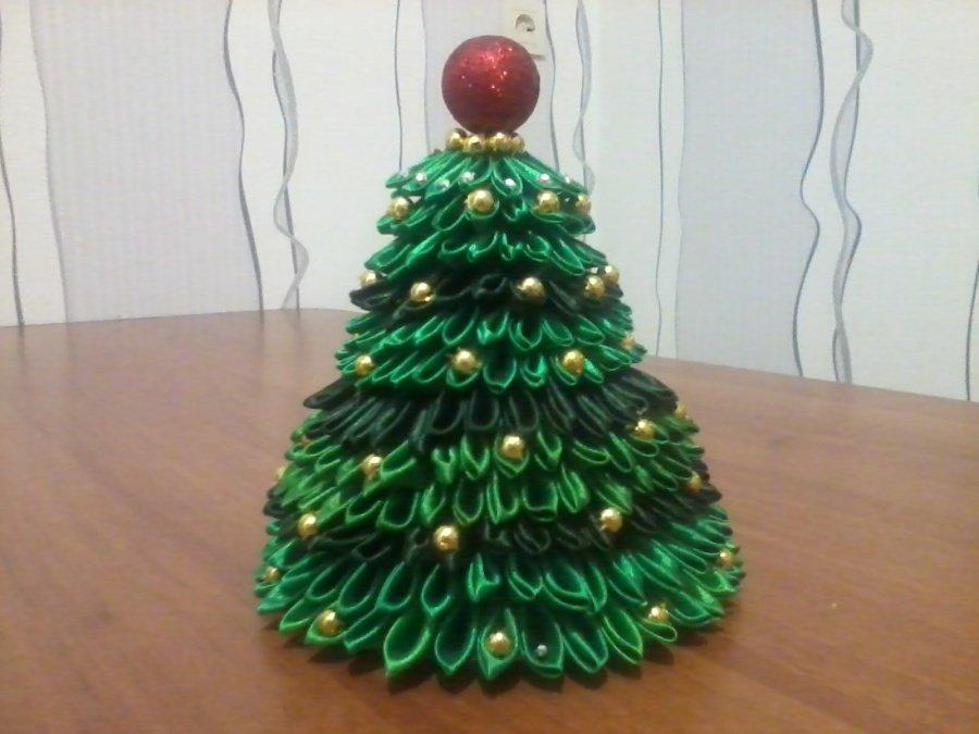 Поделка новогодняя елка своими руками из лент 19