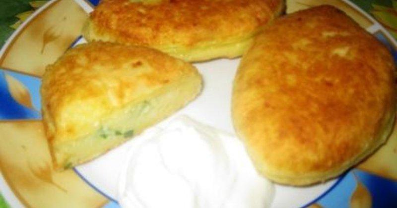Пирожки с картошкой жареные на сковороде рецепт с на дрожжах пошагово