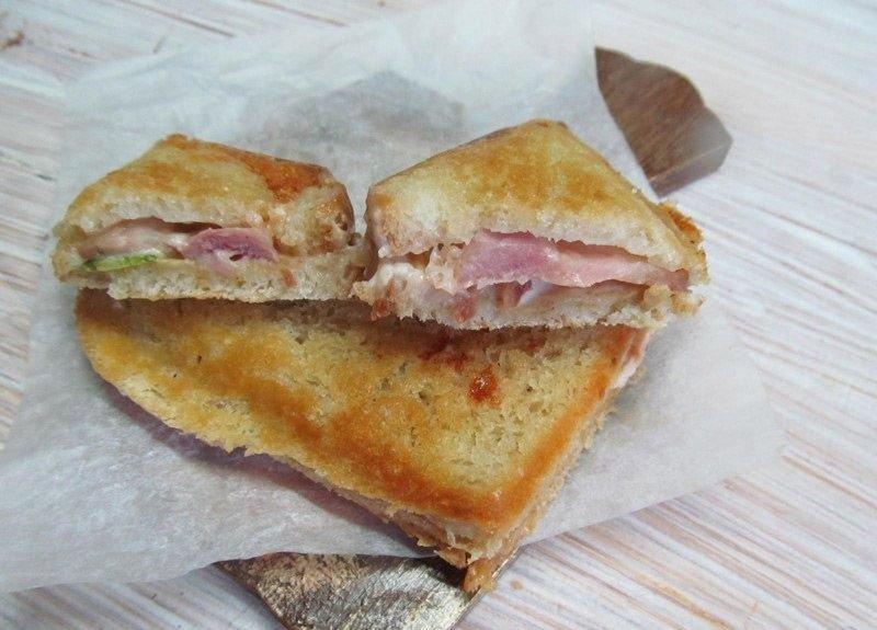 Как приготовить бутерброды в сэндвичнице