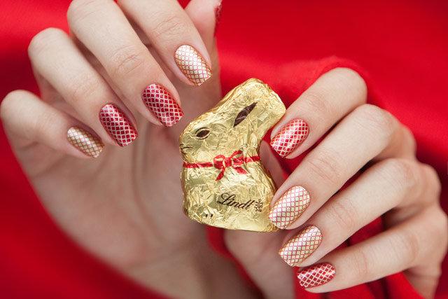 Красные с золотым ногти