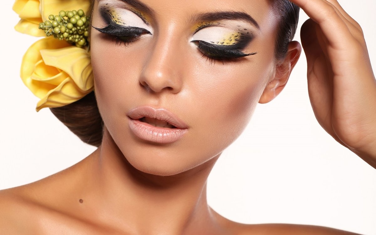 Профессиональный макияж с фотографиями