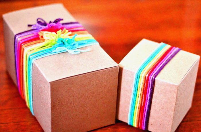 Как интересно украсить коробку для подарка 71
