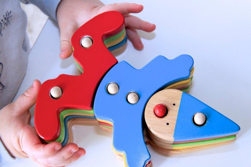Игрушки из дерева для детей фото