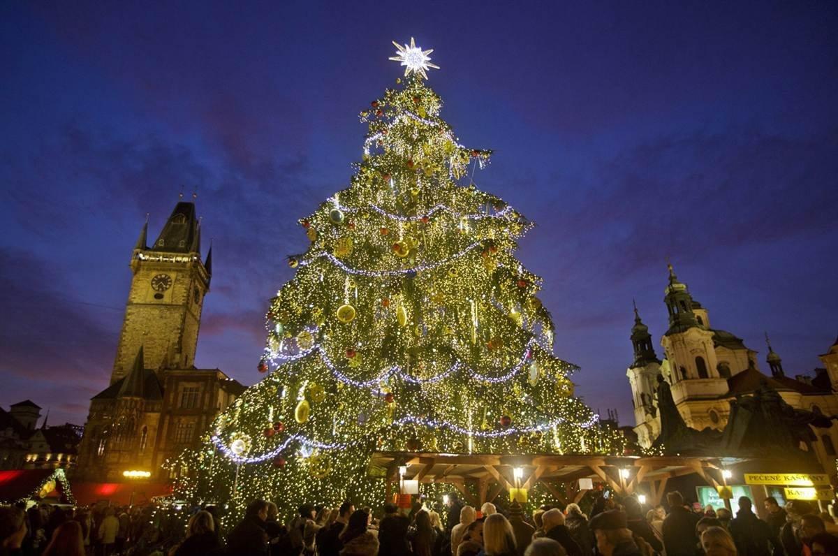Новогодние украшения в германии фото