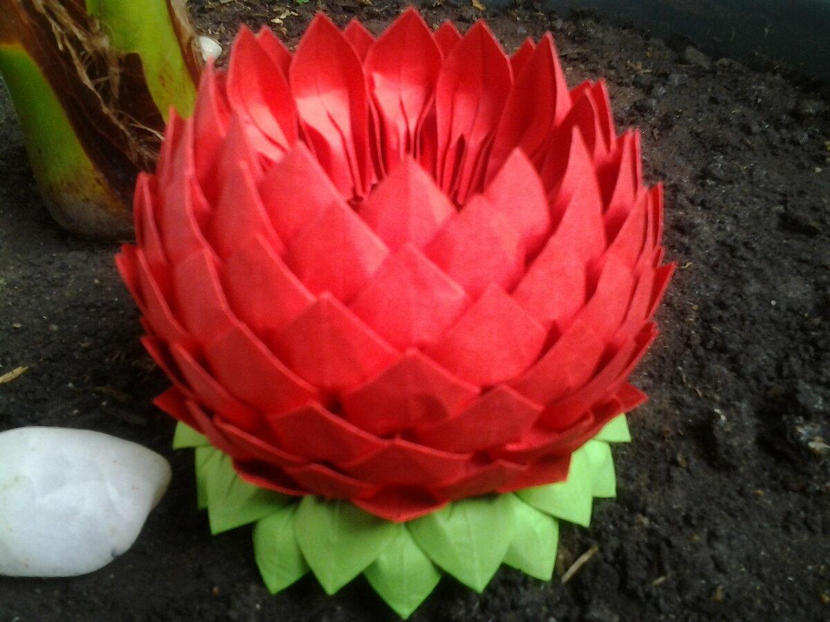 Цветок лотос из бумажных салфеток своими руками7