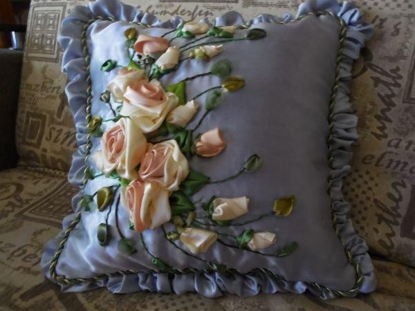 Вышивка атласными лентами декоративные подушки 51