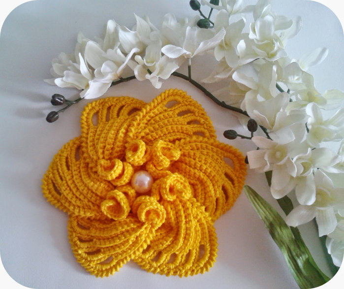 Цветы из крючка