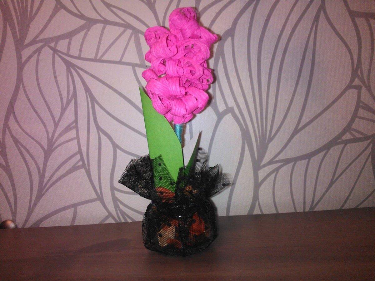 Цветы из гофрированной бумаги для поделок