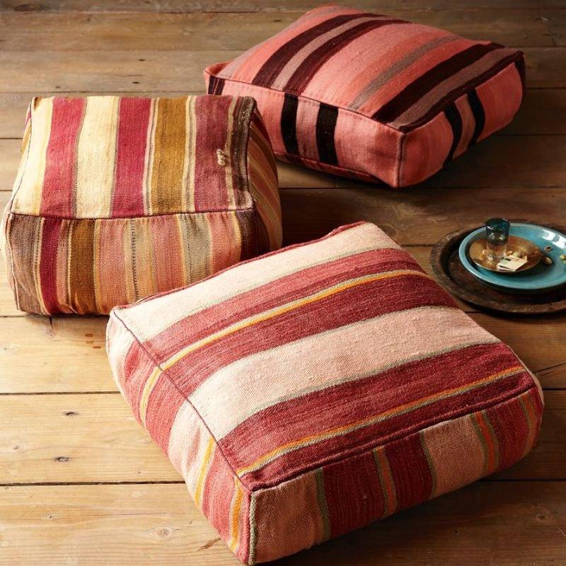 Сшить квадратную подушку на диван 27