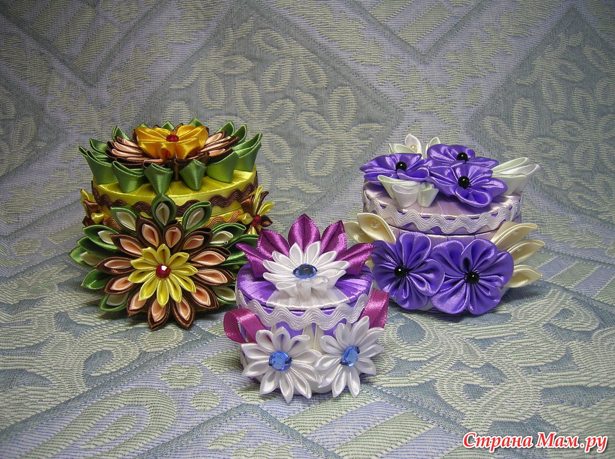 Сувениры из лент своими руками 15